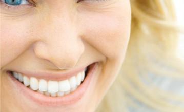 smukt tandlæge smil af din fortrukne tandplejer i lyngby